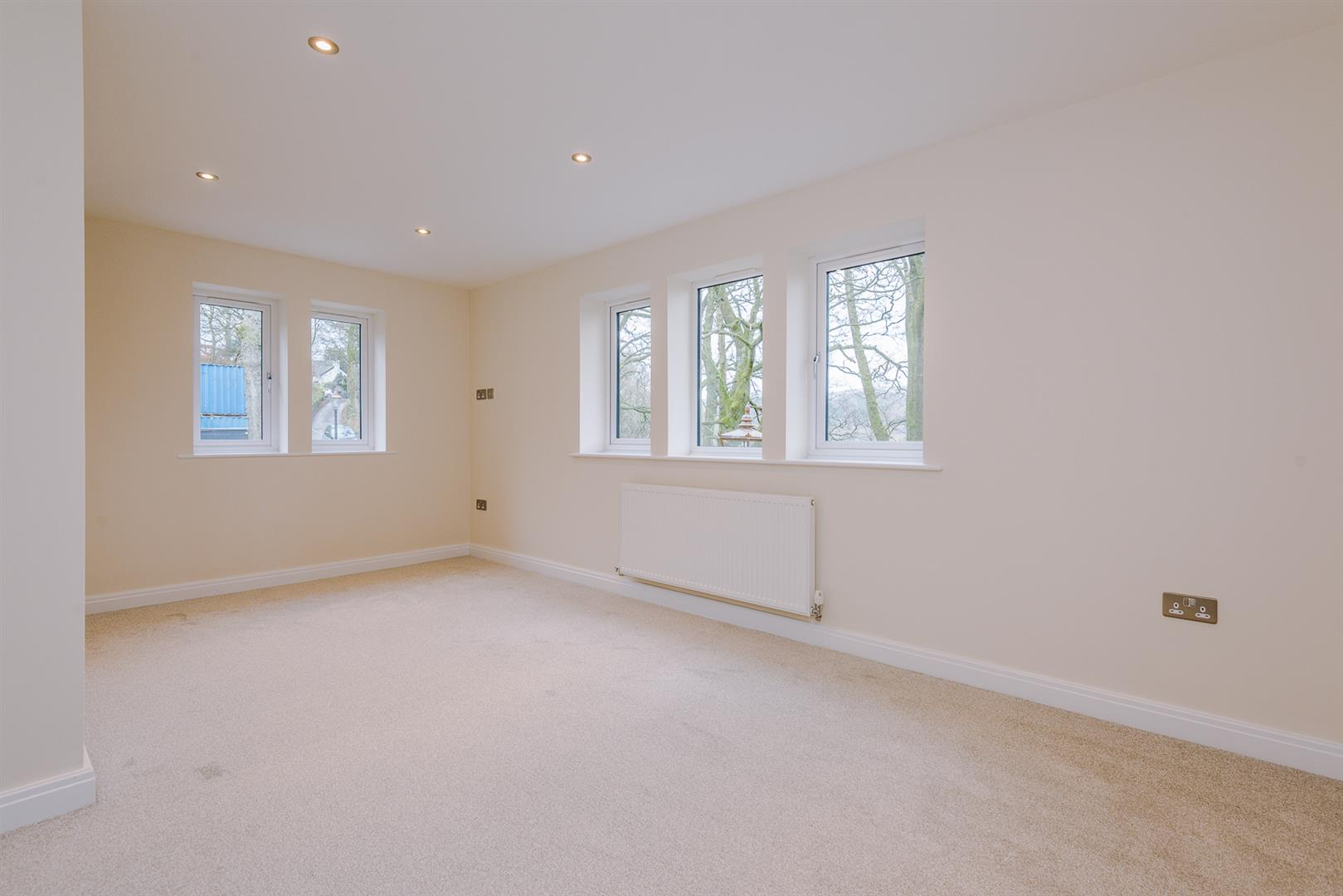 5 Bedroom House For Sale Image 32